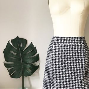 MMK • Houndstooth Stretch Pencil Skirt